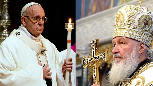 На фото изображен Папа Римский Франциск и Патриарх Кирилл.