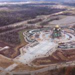 На фото изображен главный храм ВС России. Фото сверху и сбоку.