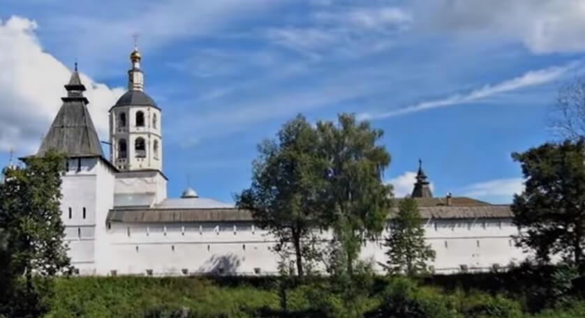 На фото Свято-Пафнутьев боровский монастырь.