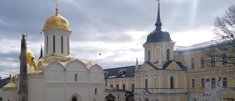 На фото Троице-Сергиевой лавра.