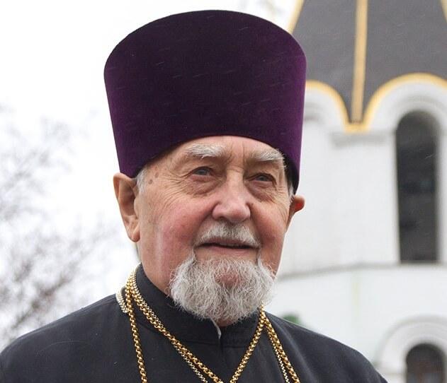 На фото настоятель минского храма Марии Магдалины Иоанн Хорошевич.